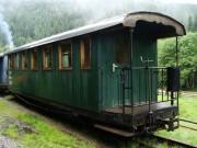 Krásny historický vagón slúžiaci ako pre turistov, tak aj pre domácich